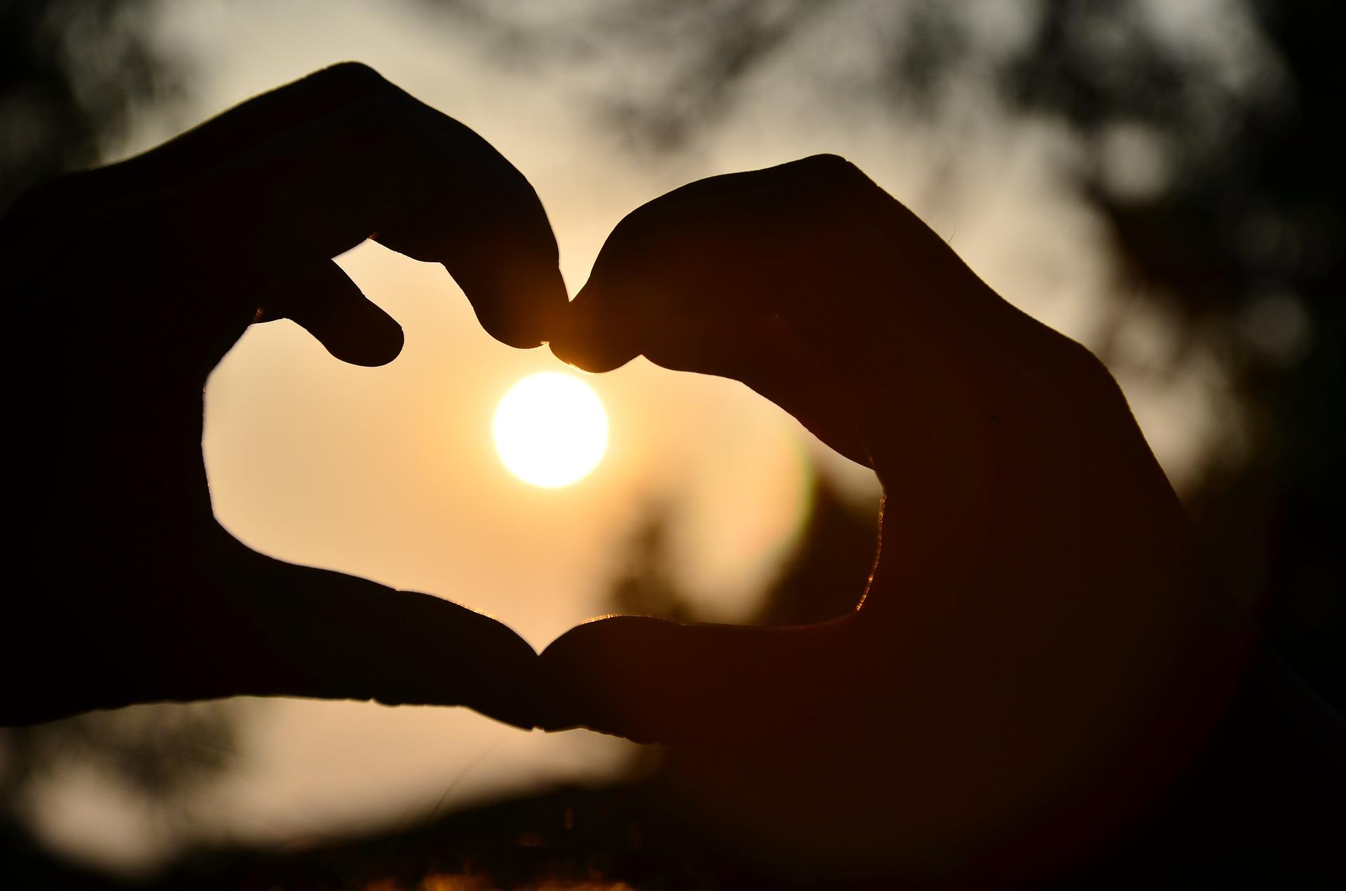 Amor que enferma, amor que sana  (13 de mayo, Conferencia)